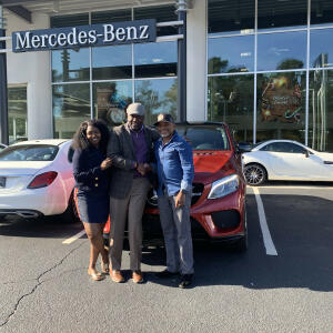 Dick Dyer Mercedes-Benz 5 star review on 11th December 2019