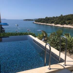 VIP Holiday Booker 5 star review on 12th September 2021