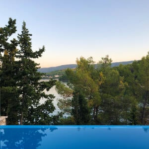 VIP Holiday Booker 5 star review on 18th October 2019