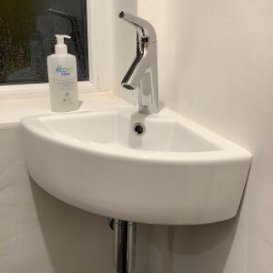 Ergonomic Designs Bathrooms 5 star review on 12th January 2020