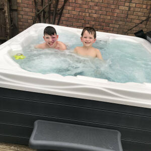 THEHOTTUBWAREHOUSE.CO.UK 5 star review on 6th March 2020