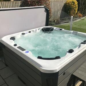 Somerset Hot Tubs 5 star review on 15th April 2021