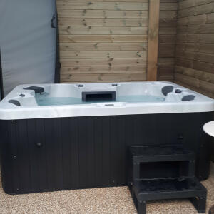 The Hot Tub Company 5 star review on 23rd September 2018