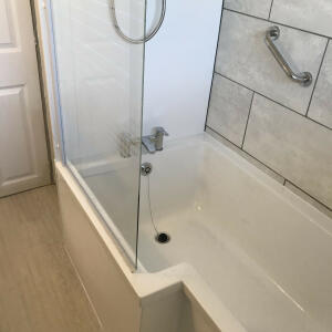 Royal Bathrooms 4 star review on 28th March 2020