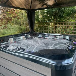 Somerset Hot Tubs 5 star review on 28th August 2020