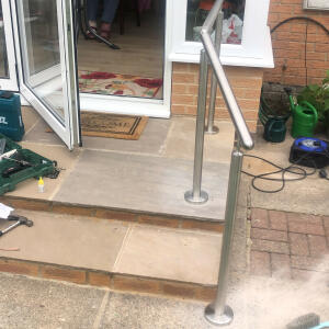 SimpleHandrails.co.uk 5 star review on 17th July 2021