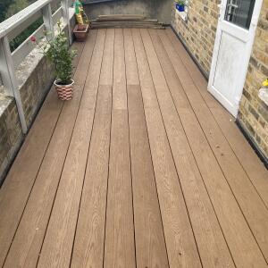 London Decking Company  5 star review on 14th May 2021