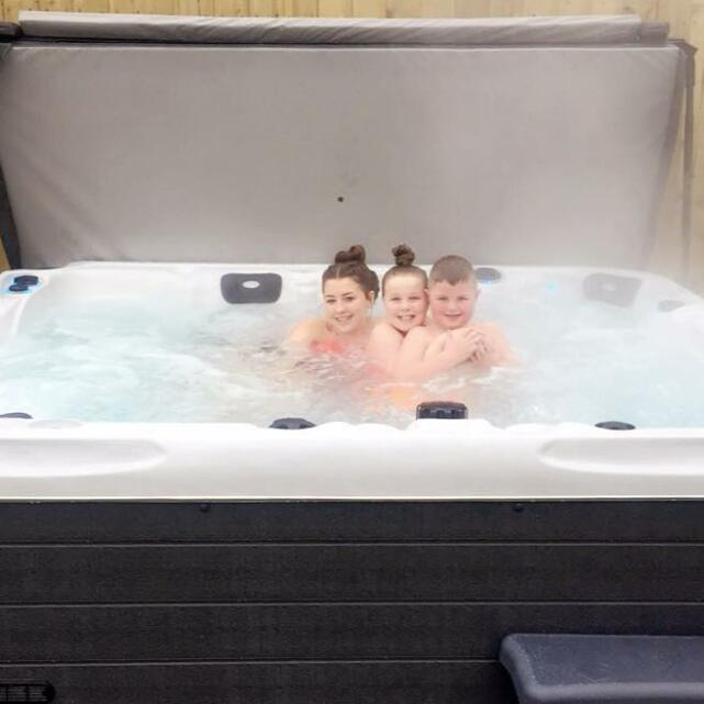 THEHOTTUBWAREHOUSE.CO.UK 5 star review on 15th March 2018