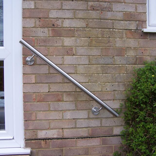 SimpleHandrails.co.uk 4 star review on 13th April 2017