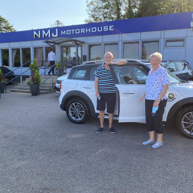 NMJ Motorhouse 5 star review on 14th September 2020