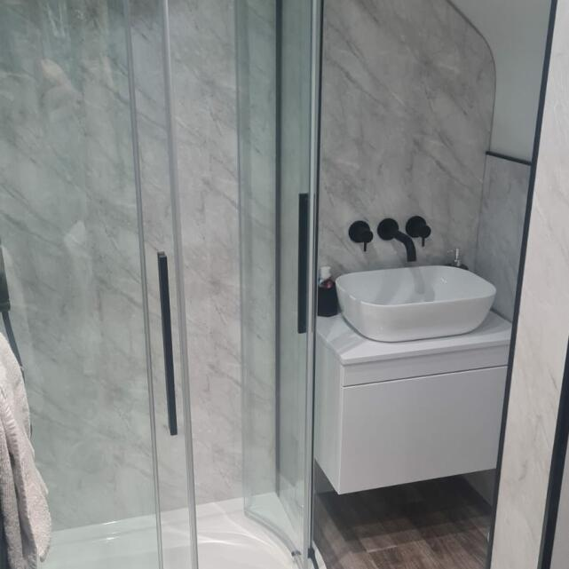 Bathroom Mountain 4 star review on 1st March 2021