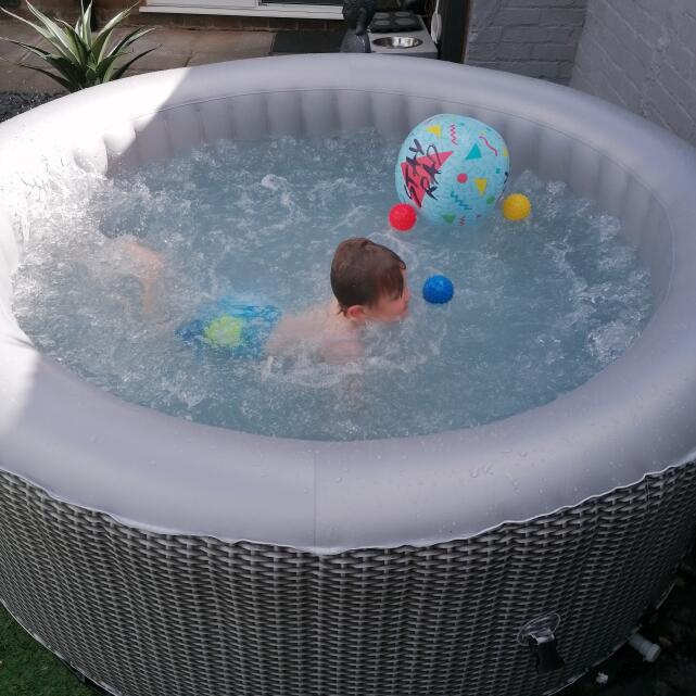 Wave Spas 5 star review on 5th May 2021