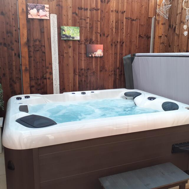 Miami Spas 5 star review on 5th May 2021