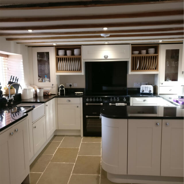 Statement Kitchens 5 star review on 10th April 2018