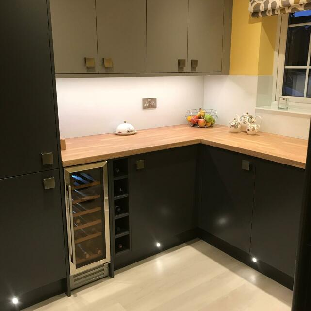 Statement Kitchens 5 star review on 1st March 2018