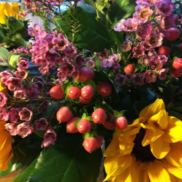Verdure Floral Design Ltd 5 star review on 18th March 2021