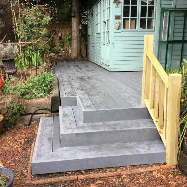 London Decking Company  5 star review on 5th March 2019
