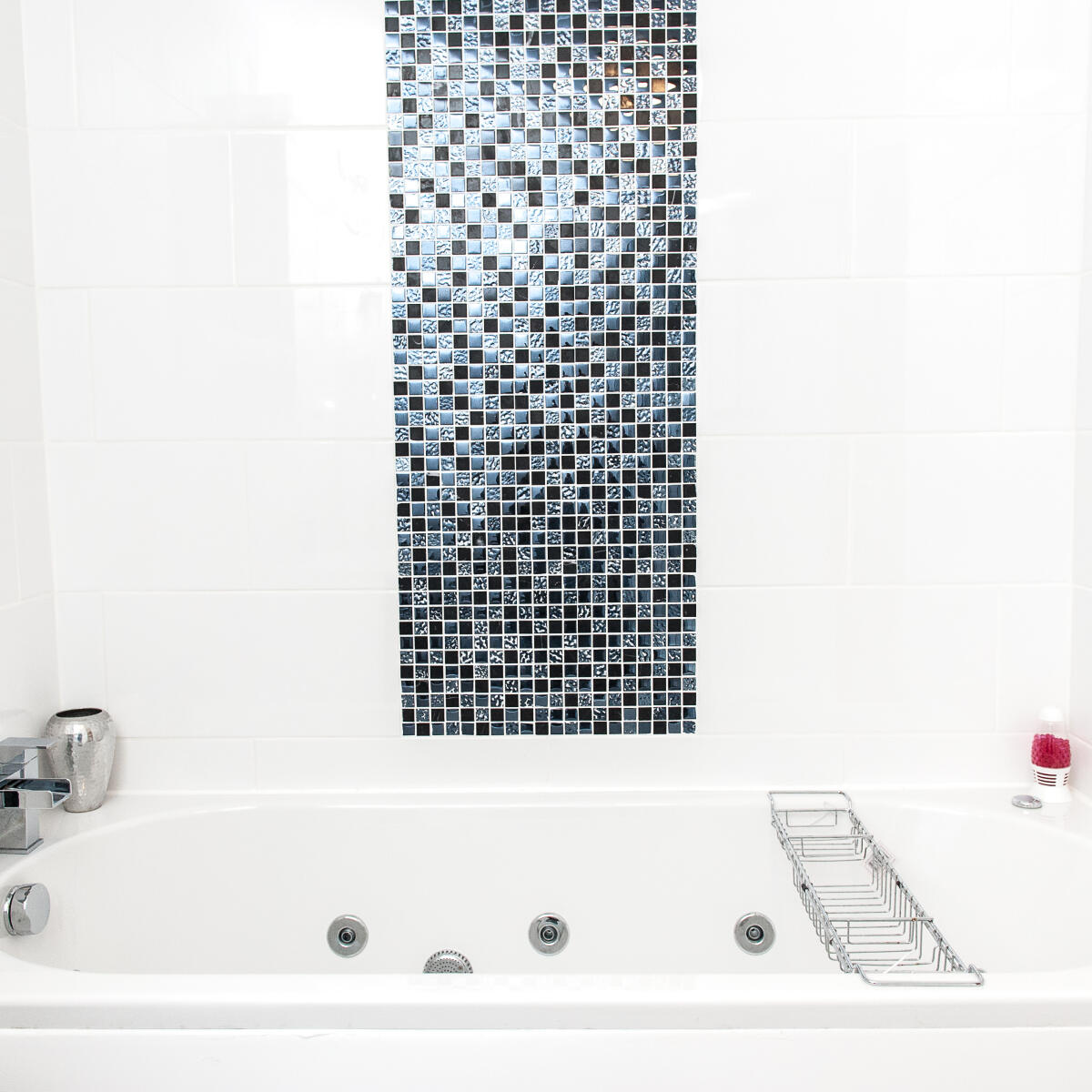 The Whirlpool Bath Shop Reviews - Read 586 Genuine Customer Reviews ...