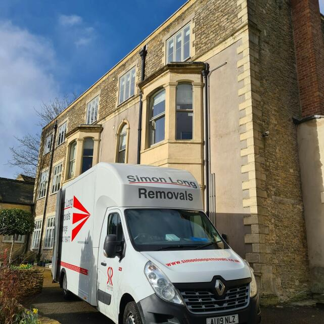 Simon Long Removals 5 star review on 7th April 2021