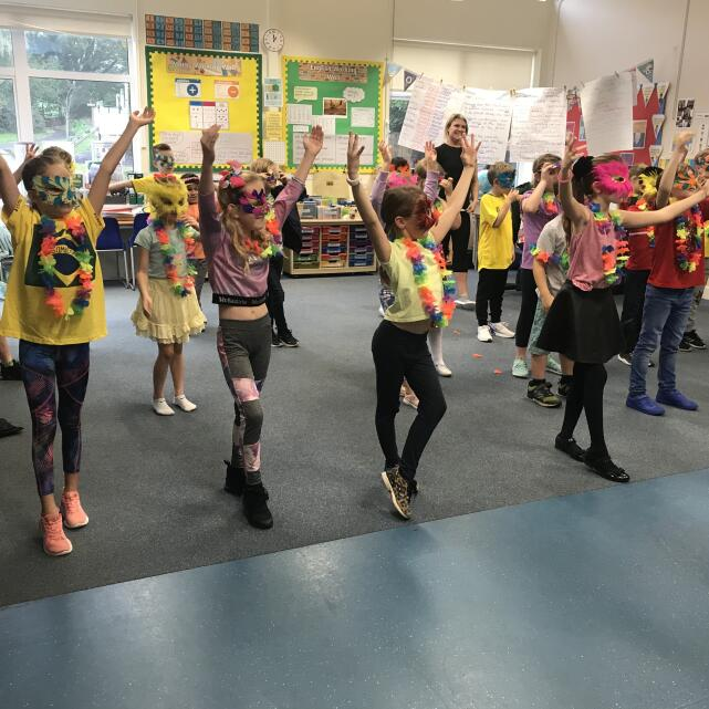 Dance Days 5 star review on 26th October 2019