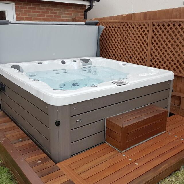 Hot Tubs Hampshire 5 star review on 17th June 2019