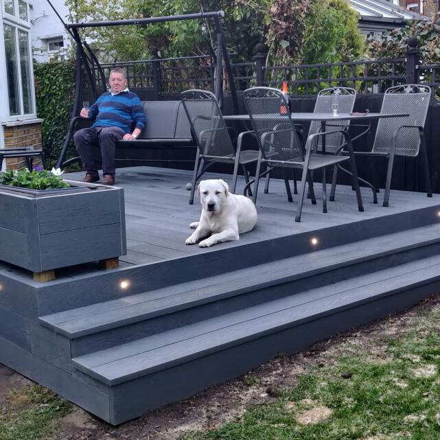 London Decking Company  5 star review on 16th May 2021