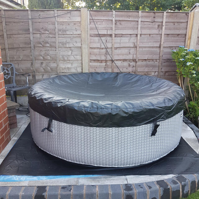 Wave Spas 5 star review on 4th July 2020