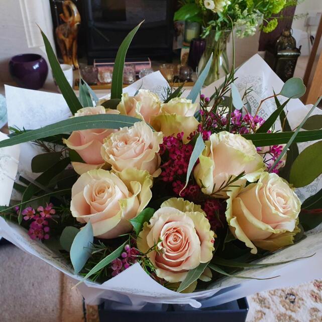 Verdure Floral Design Ltd 5 star review on 5th April 2021