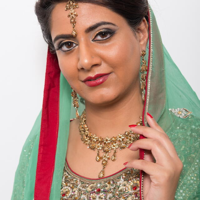 DFMA Make Up Academy 5 star review on 18th May 2018