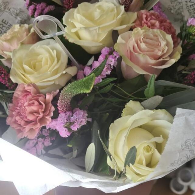Verdure Floral Design Ltd 5 star review on 16th March 2021
