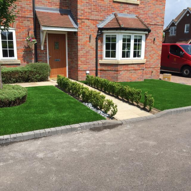 LazyLawn 5 star review on 8th June 2016
