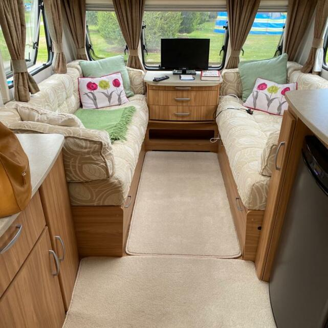 Swindon Caravans Group 5 star review on 10th September 2020