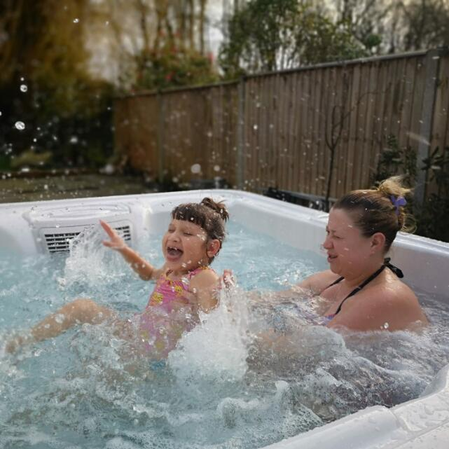 THEHOTTUBWAREHOUSE.CO.UK 5 star review on 2nd March 2020