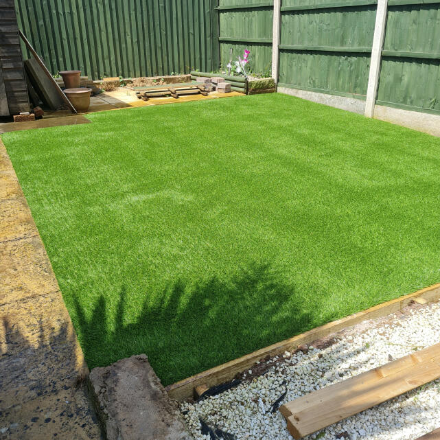 LazyLawn 5 star review on 9th June 2021