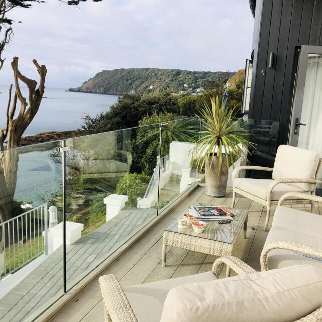Salcombe Finest 5 star review on 1st October 2020