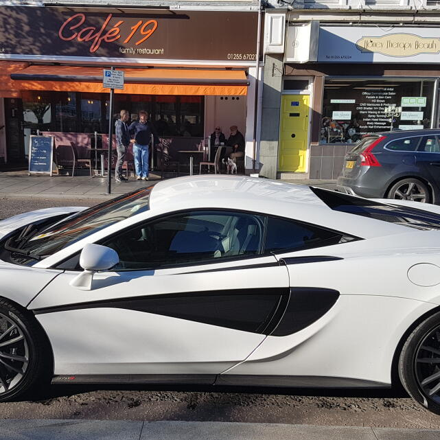 Supercar Experiences Ltd 5 star review on 27th October 2018