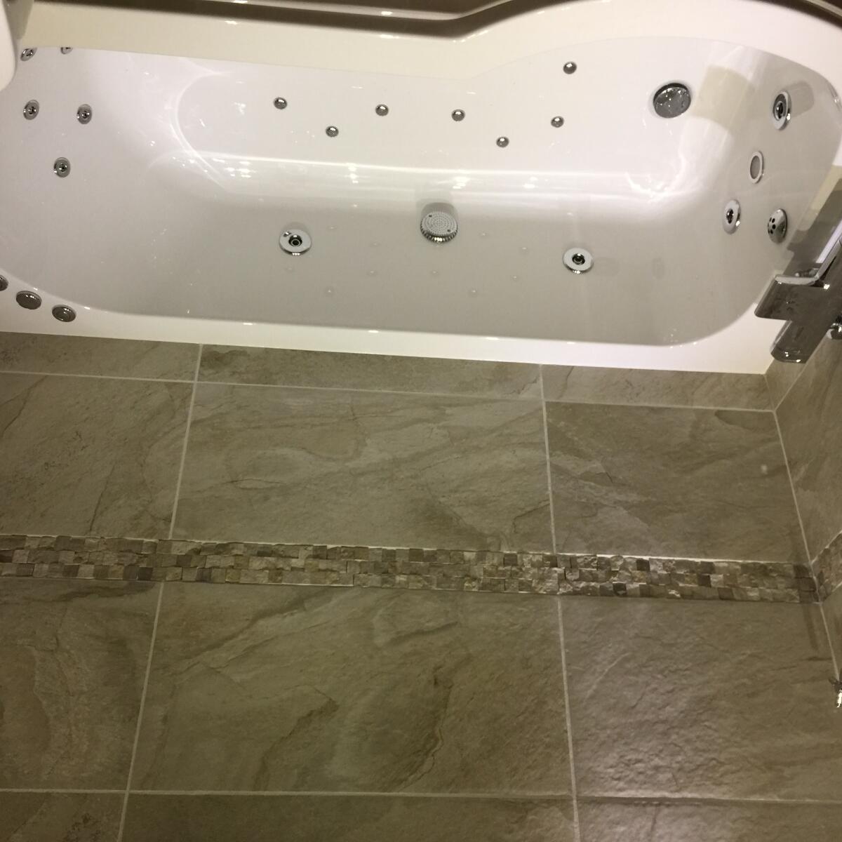 The Whirlpool Bath Shop Reviews - Read 562 Genuine Customer Reviews ...