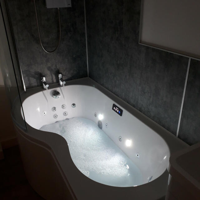 Luna Spas 5 star review on 11th May 2020