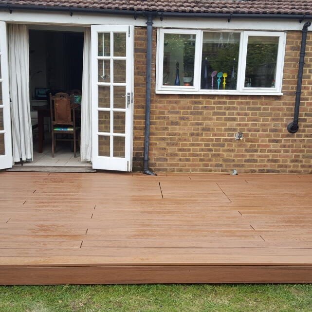 London Decking Company  5 star review on 23rd May 2019