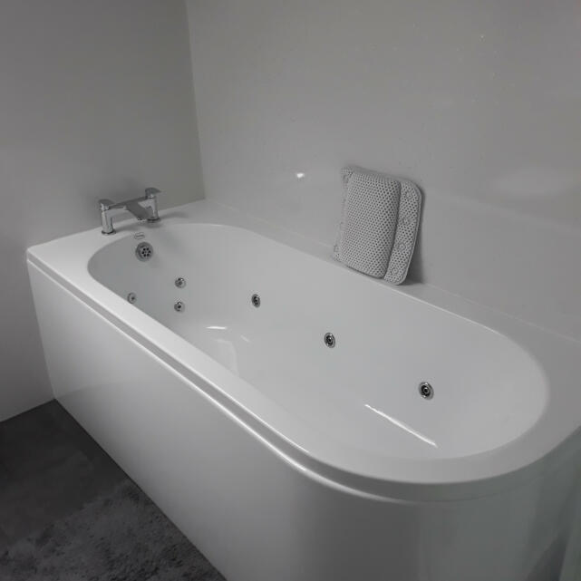 Luna Spas 5 star review on 24th February 2021