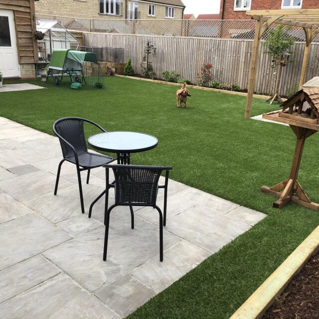 Easigrass Distribution Ltd 4 star review on 10th May 2021
