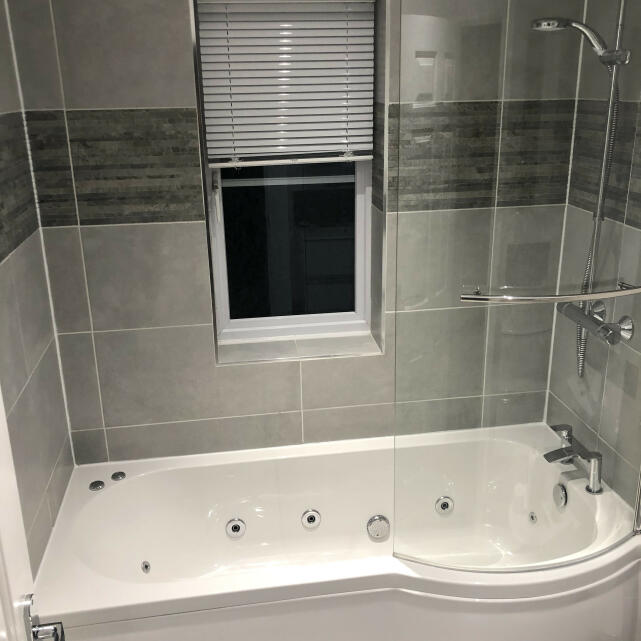 The Whirlpool Bath Shop 4 star review on 31st December 2020